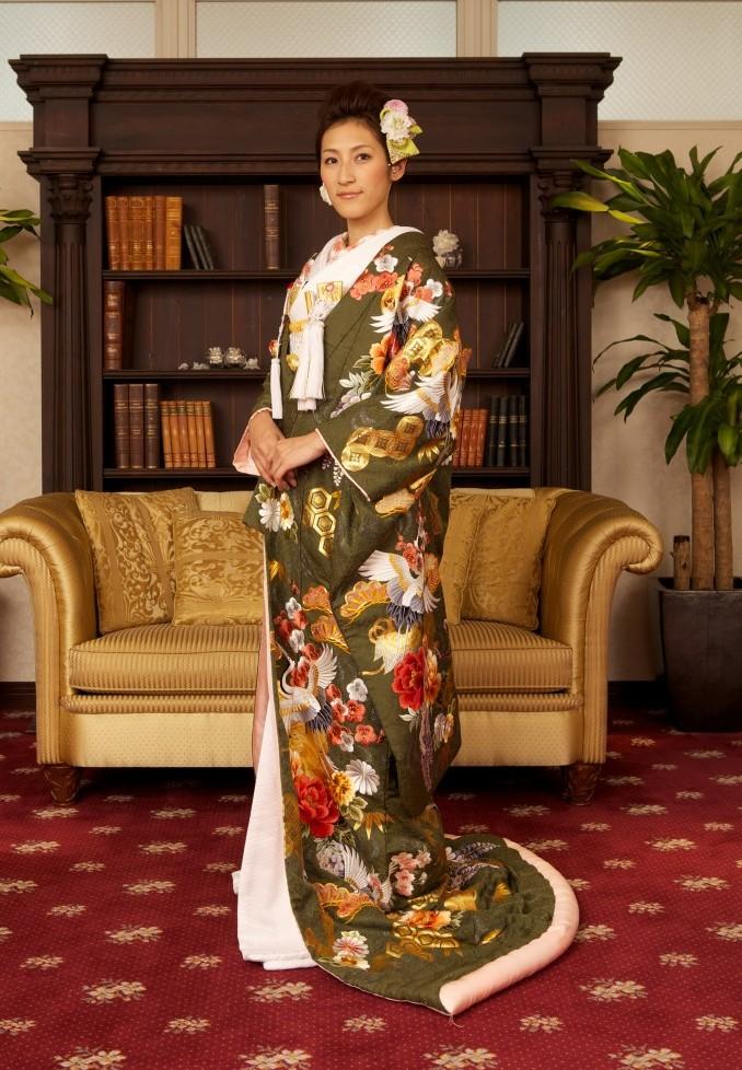 和モダンカラーな色打掛 サヤ古都桜千歳緑