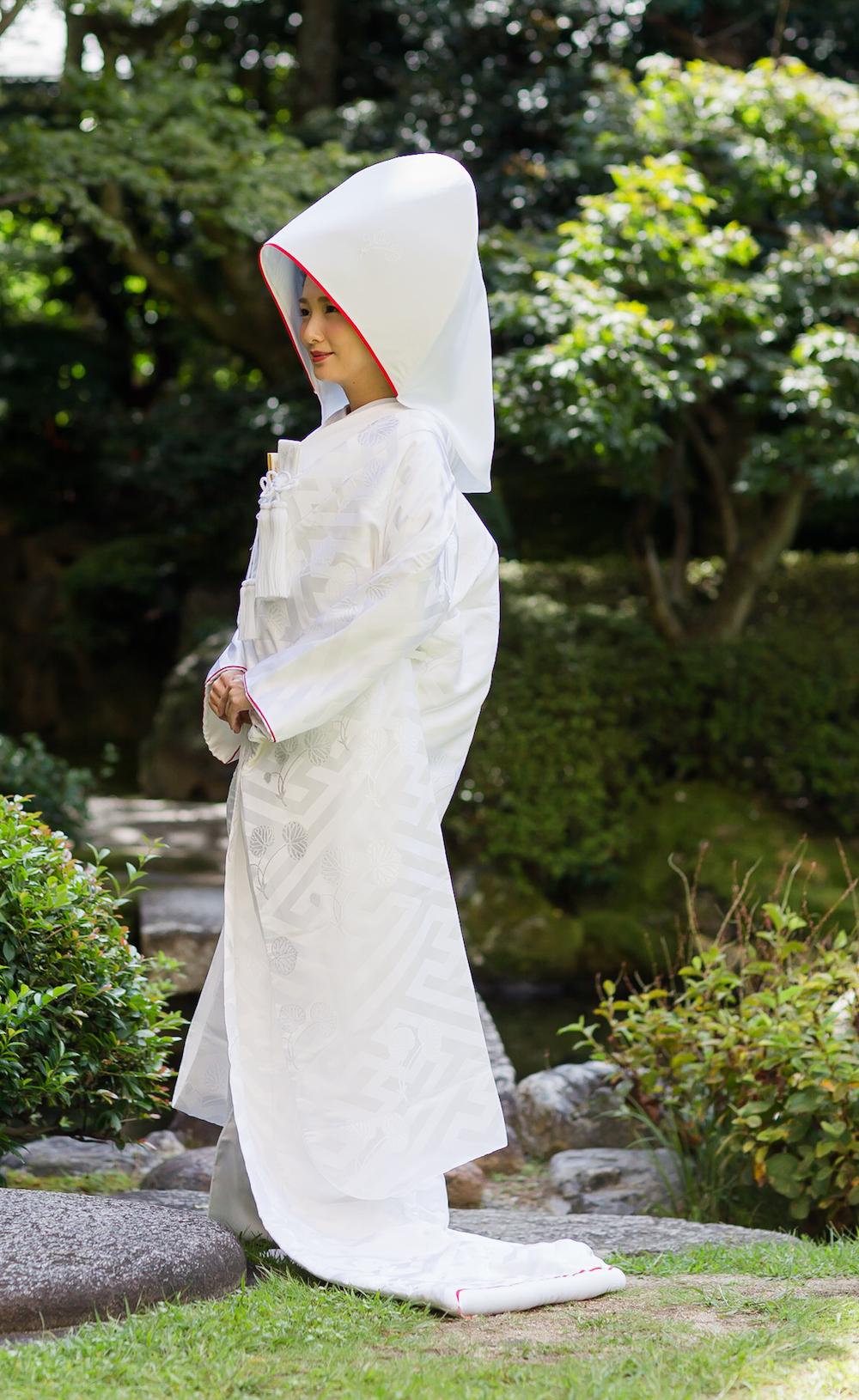 上賀茂神社オリジナル白無垢 二葉葵ふち赤の写真001