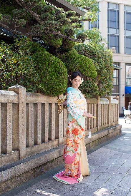 淡グリーンピンク四季草花の写真001