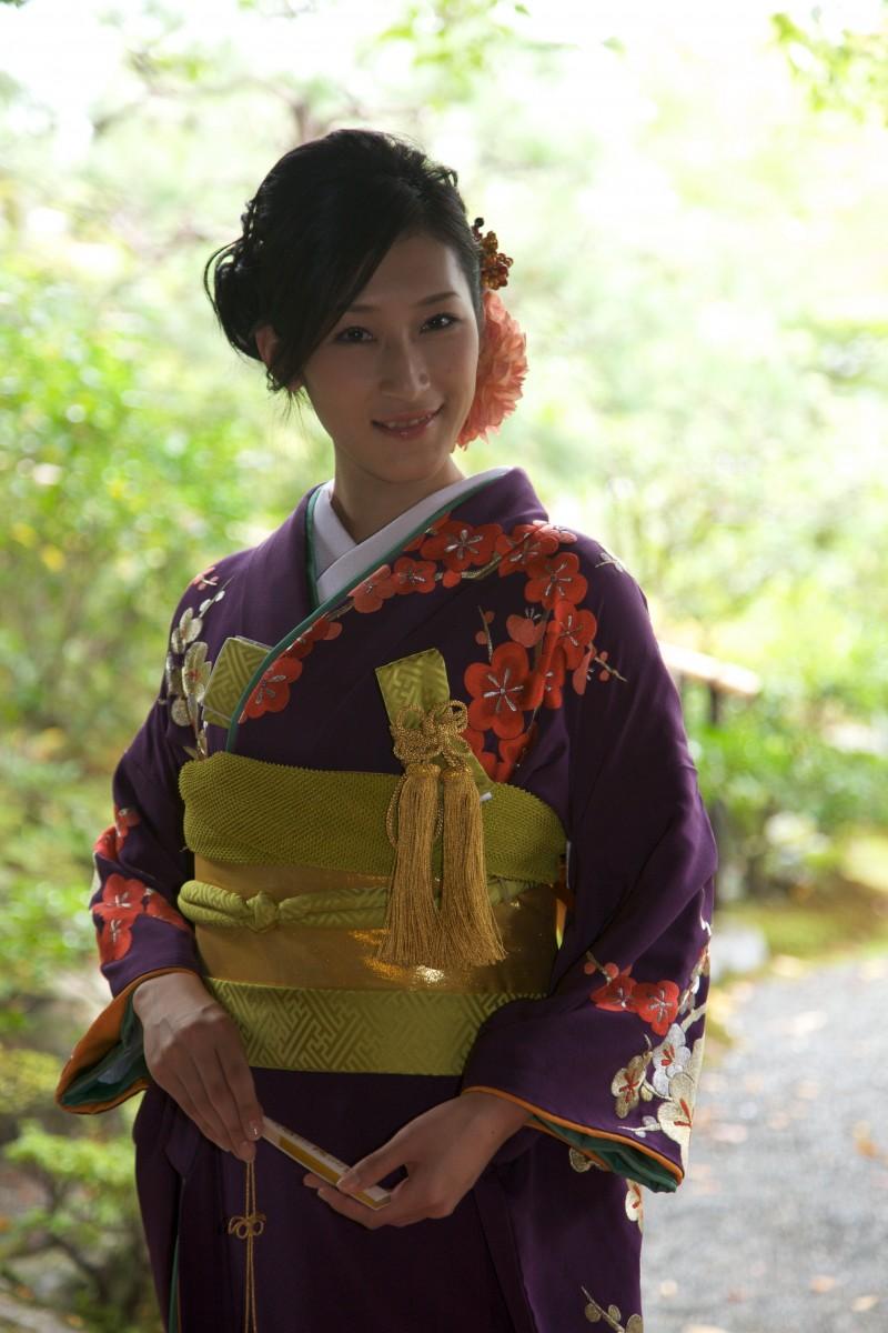 紫地 手刺繍 梅に鶴の写真002