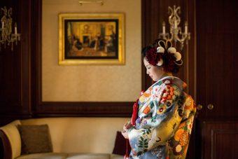 和装花嫁さまにぴったりな美しい髪飾り**。