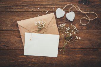 結婚式で二人に素敵なメッセージを贈ろう!ポイントとマナー編