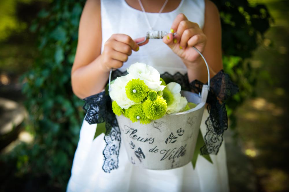 フラワーガールと花束