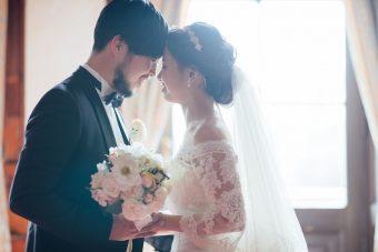 結婚式場はいつまでに予約する?お得に挙げる方法は?