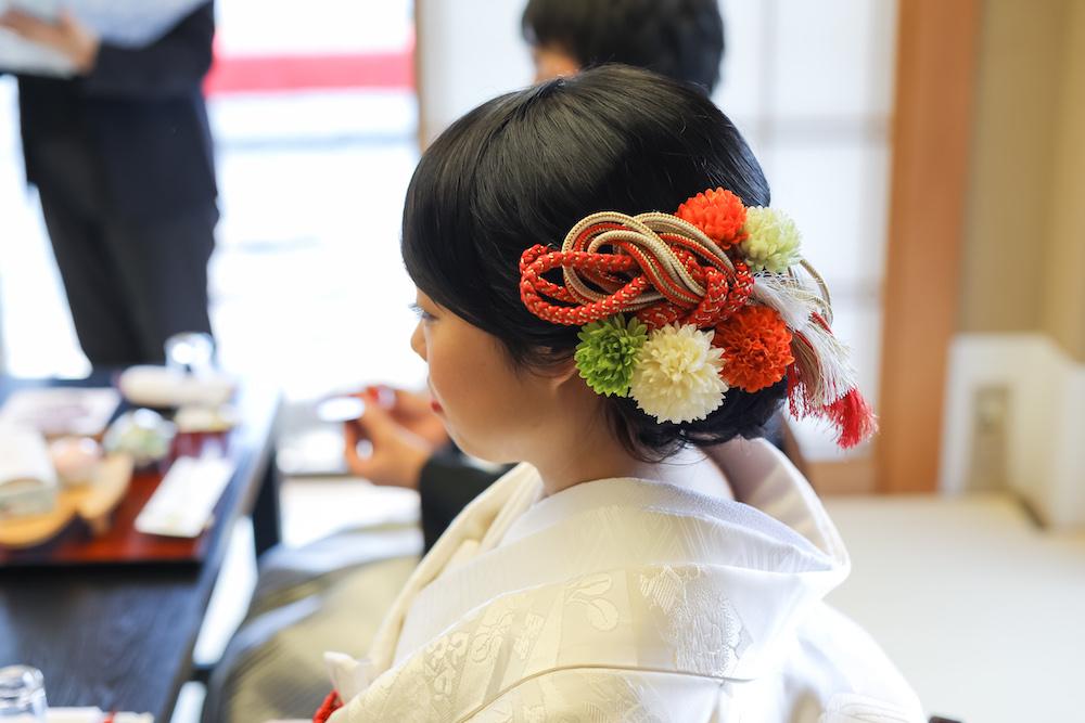 結婚式 ヘアメイク 髪飾り 白無垢 着物 ロングヘア ヘアアレンジ