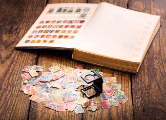 結婚式の招待状に使う切手は寿切手だけじゃない!