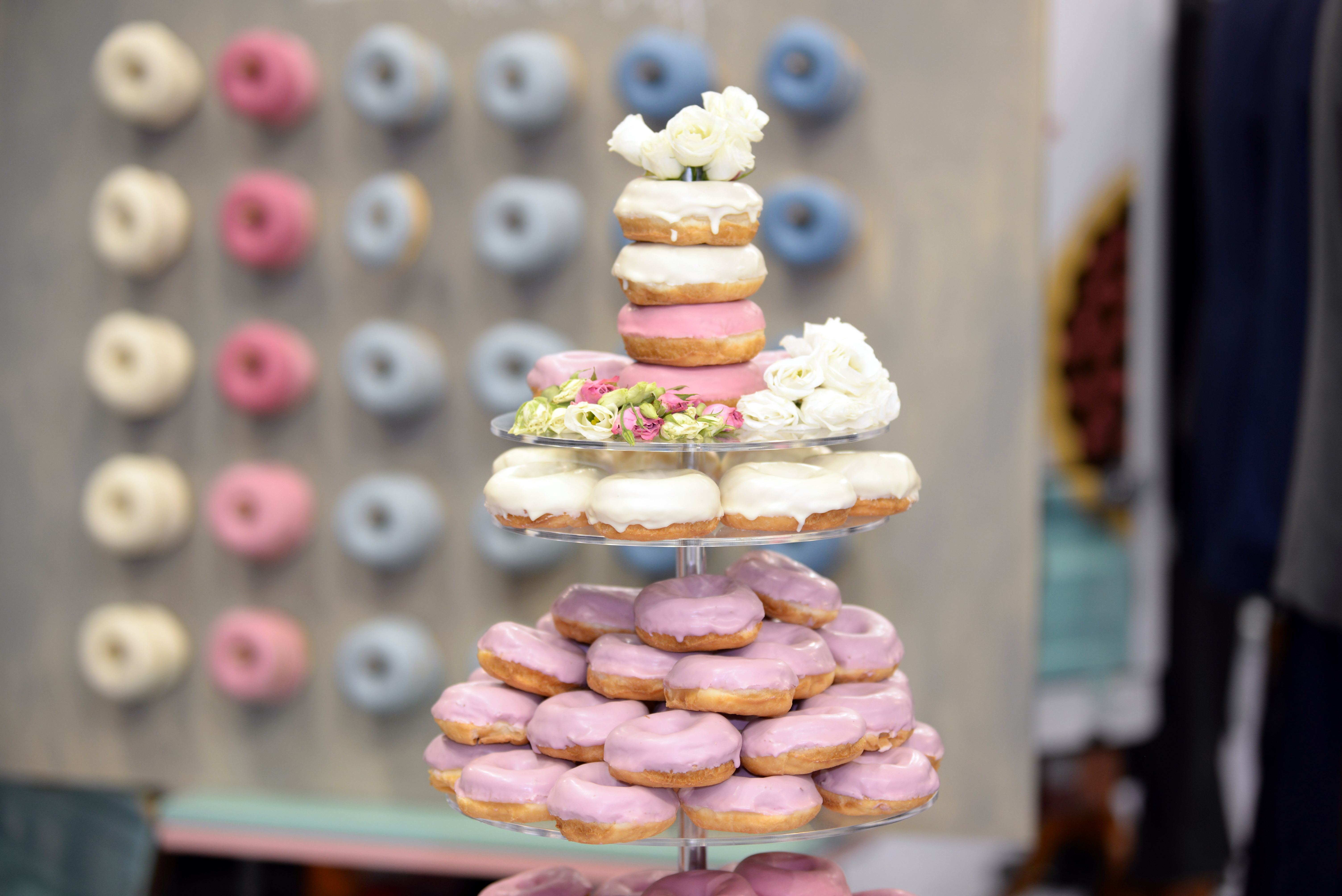 ウェディングケーキ 種類 ドーナツ 海外 人気